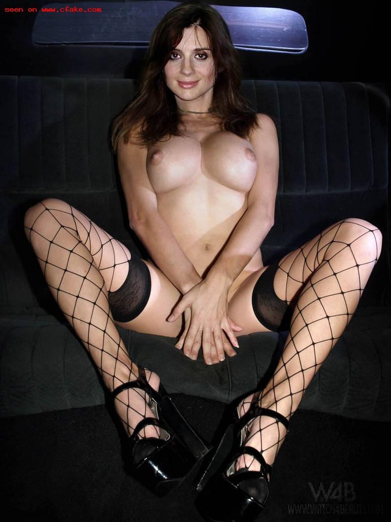 Екатерина Стриженова в машине без лифчика