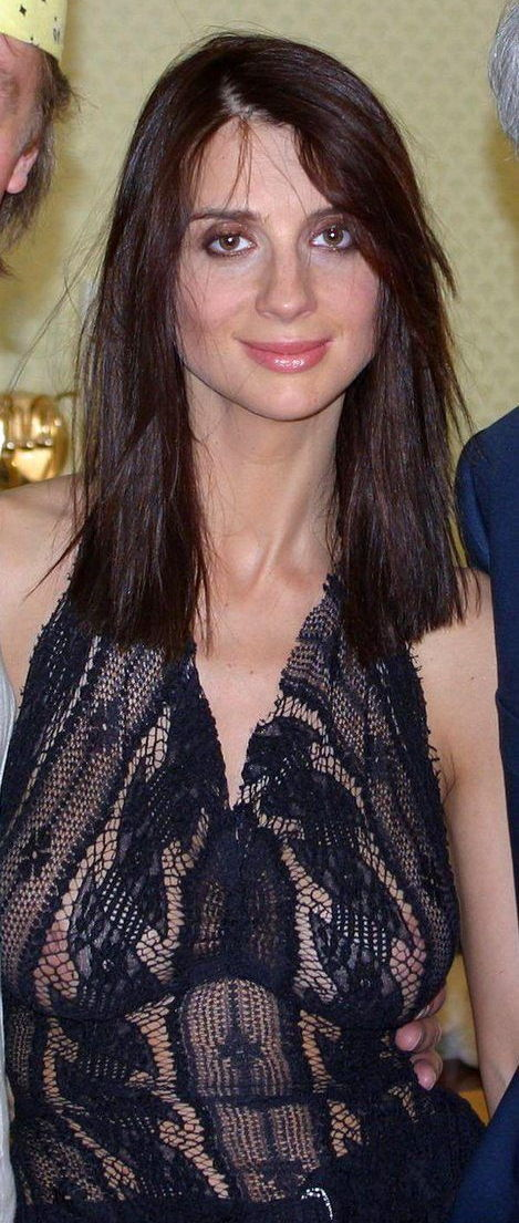 Екатерина Стриженова засветила свои груди